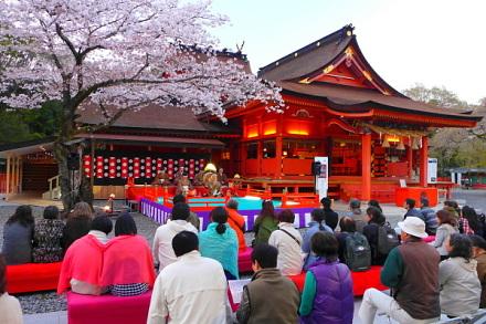 Sengen_gagaku01