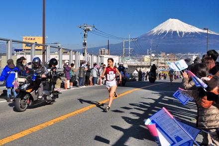 美しい富士山をバックに展開された昨年の大会