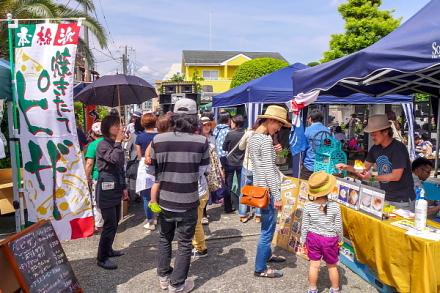 富士周辺の人気店が軒を連ねる「寺っテラ市」