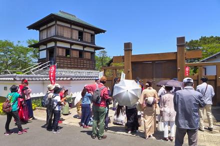 田中城下屋敷に到着