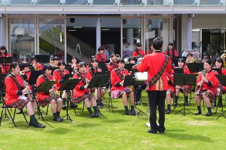 富士見高校吹奏楽部による演奏