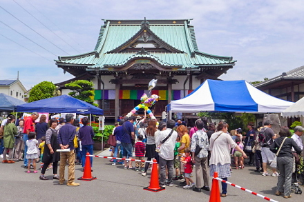 「寺でマルシェと文化祭」が行われた泰徳寺