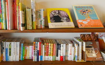 growbooksセレクトによる本が並ぶ