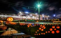 鉄道夜景とともに竹明かりを楽しめる
