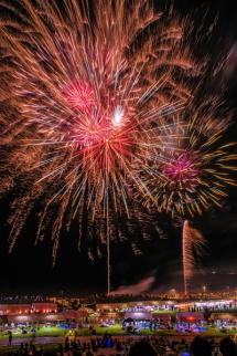 海岸からの打ち上げ花火