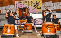 地元の太鼓演奏