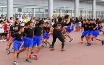 原田小学校児童による縄跳びの披露
