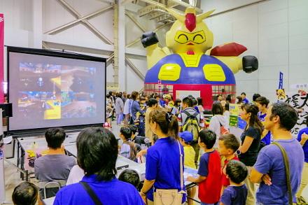 賑わう東名グループ夏の大感謝祭会場