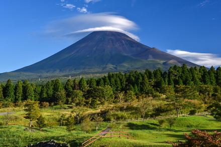 翌朝も笠雲が見られた(富士山こどもの国より)