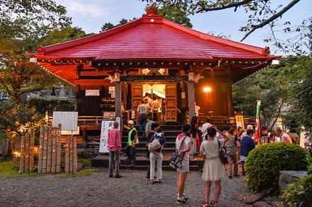 夜観音祭開催の滝川観音妙善寺