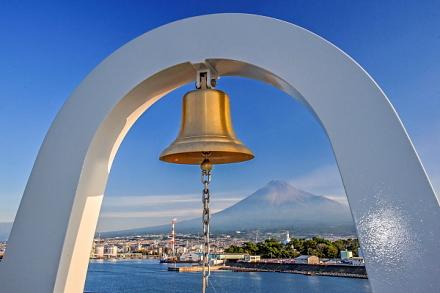 鐘と富士山のコラボ