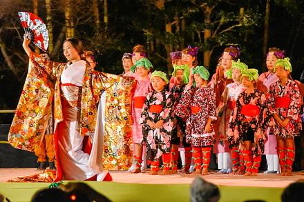 かぐや姫伝説をイメージした創作舞踊