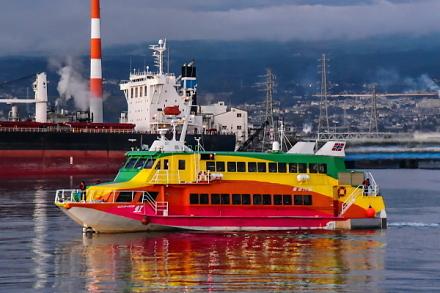 ジェット船「セブンアイランド虹」