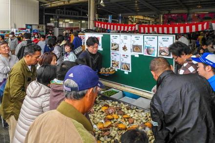 人気を博した貝類・水産加工品の乗せ放題