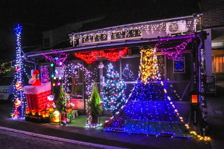 旧東海道沿いの商店・住宅のイルミネーション