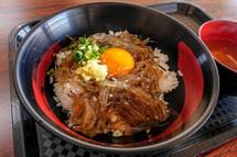 赤富士丼を味わう