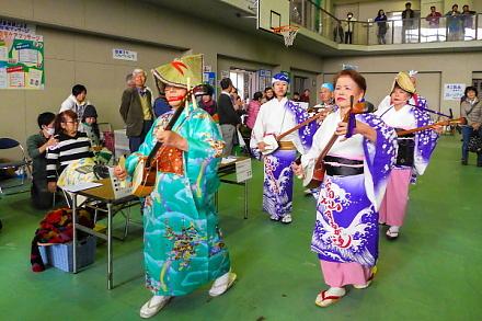 富士山するが連による踊りと演奏