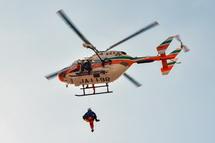 防災ヘリコプターによる救助