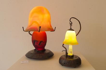明かりに関する作品を展示