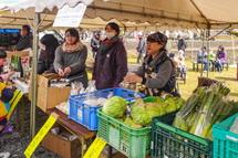 土井ファーム会場 農産物の販売コーナー