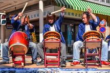 吉原祇園太鼓のステージ