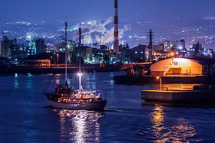 港の工場夜景とオーシャンプリンセス号