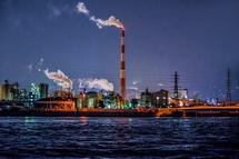 船上から夜景を撮影