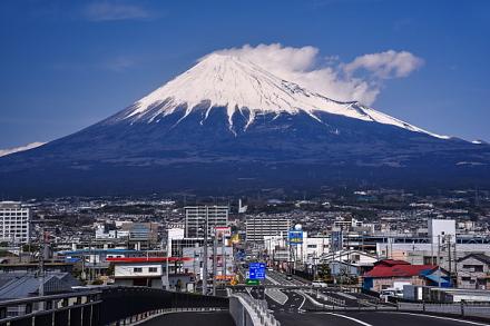 富士山夢の大橋からの雄大な富士山