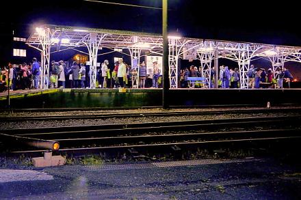 比奈駅での夜景観賞
