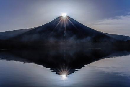 見事なダブルダイヤモンド富士