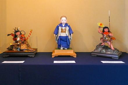 平田郷陽の人形が展示されている骨董喫茶健康堂