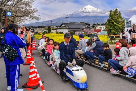 親子連れに人気のミニ鉄道