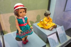 アメリカから贈られた青い目の人形も展示