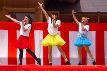 ご当地アイドル「Mi-II」のライブ