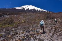 滝が見えないので富士山方面に登っていく