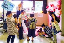 子供の写真入りの新聞を発行する「ファミめ新聞」コーナー