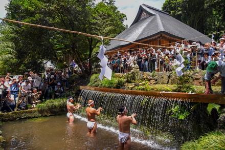 お山開き行事開催の村山浅間神社