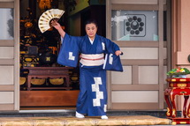 日本舞踊家坂東草雲雀さんによる舞踊