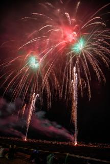 祭りのフィナーレを飾る花火