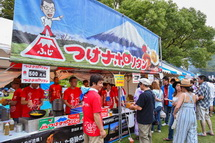 富士つけナポリタンなどのご当地グルメブース