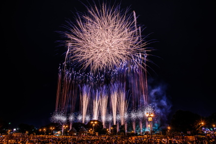 「富士まつり」のフィナーレを飾る花火大会