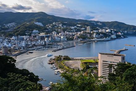 熱海城から見た熱海の街