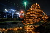 幻想的な竹明かりと岳南電車