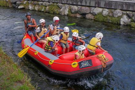 神田川でラフティング体験