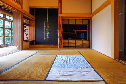 「共同生活」展開催の富士芸術村
