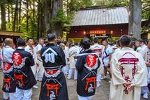 諏訪神社での神事