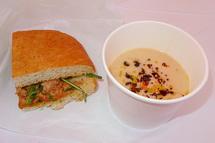 イル・ボルゴのパニーニと冷製スープ