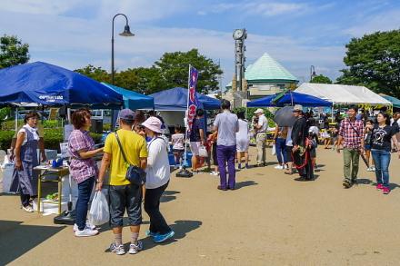 同友会まつり開催の富士市中央公園イベント広場