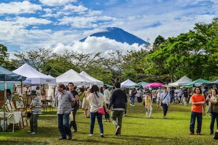 ごてんばアート・クラフトフェア会場から見えた富士山