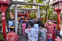 甲子神社へ宮入り